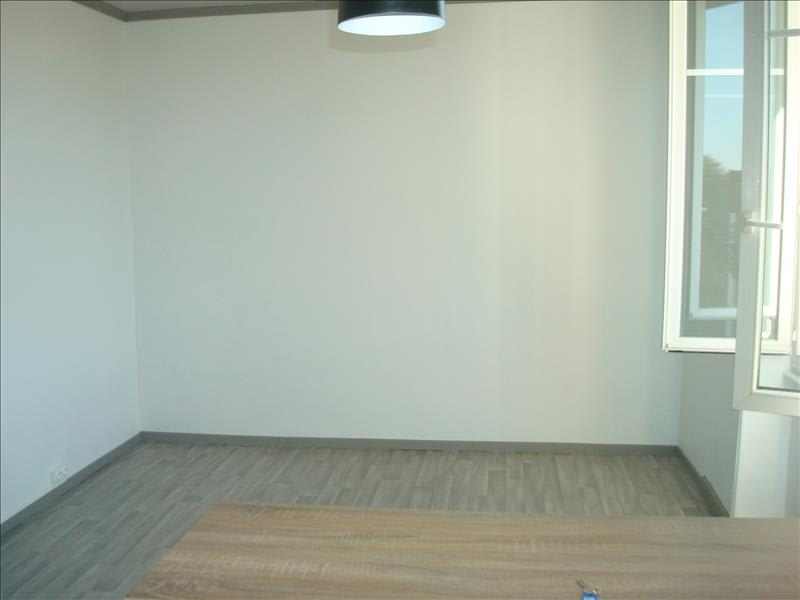 Rental apartment Imphy 420€ CC - Picture 3