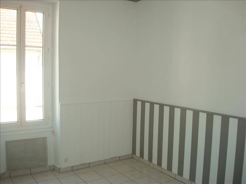 Rental apartment Imphy 420€ CC - Picture 4