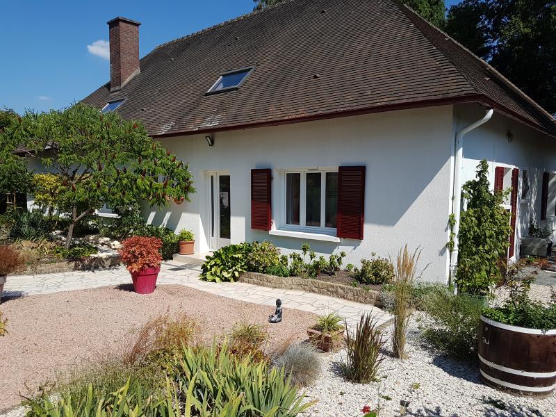 Sale house / villa Coulanges les nevers 333000€ - Picture 1