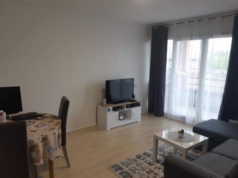 Rental apartment Jouy le moutier 750,12€ CC - Picture 3
