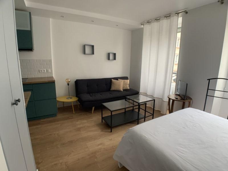 Rental apartment Courbevoie 895€ CC - Picture 2