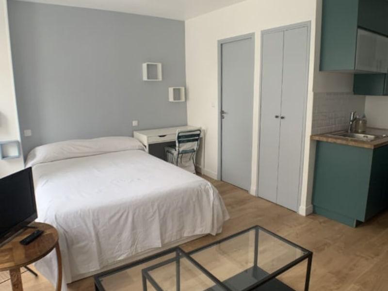 Rental apartment Courbevoie 895€ CC - Picture 5