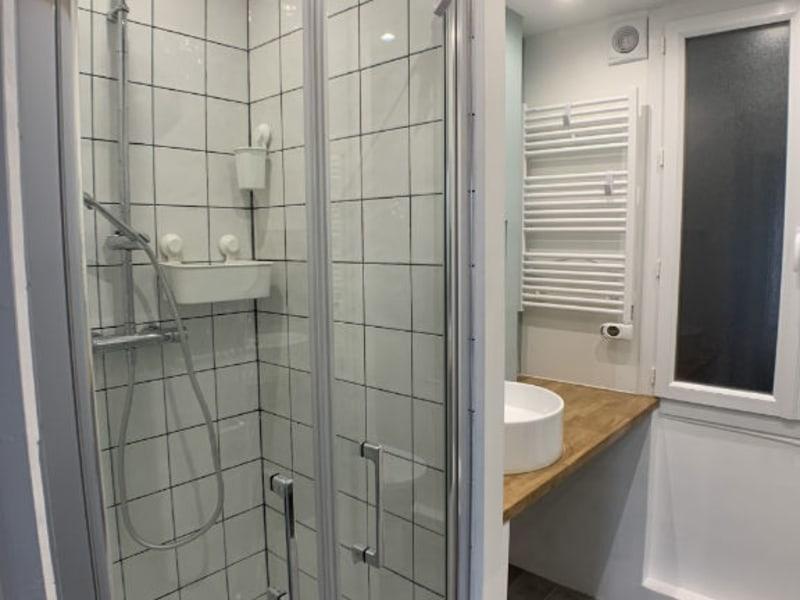 Rental apartment Courbevoie 895€ CC - Picture 6