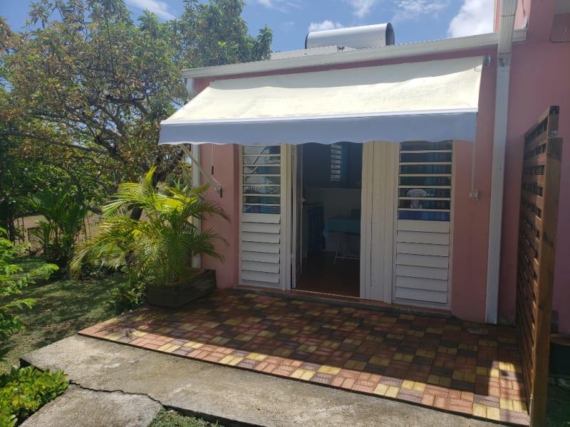 Location appartement Saint francois 560€ CC - Photo 1