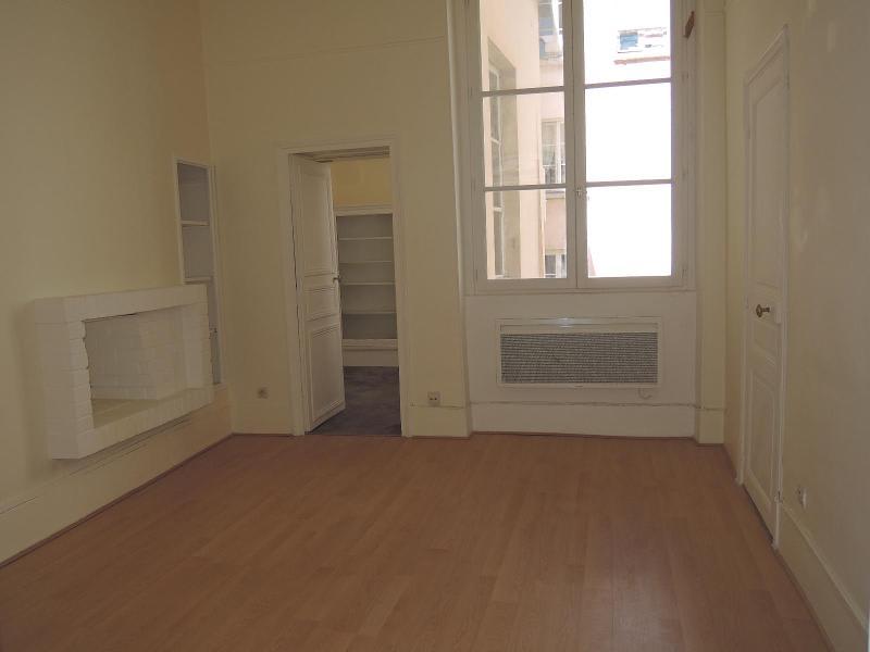 Location appartement Paris 5ème 1128€ CC - Photo 2