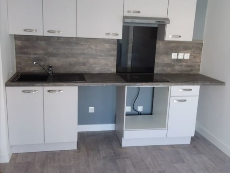 Location appartement Mours 837€ CC - Photo 1