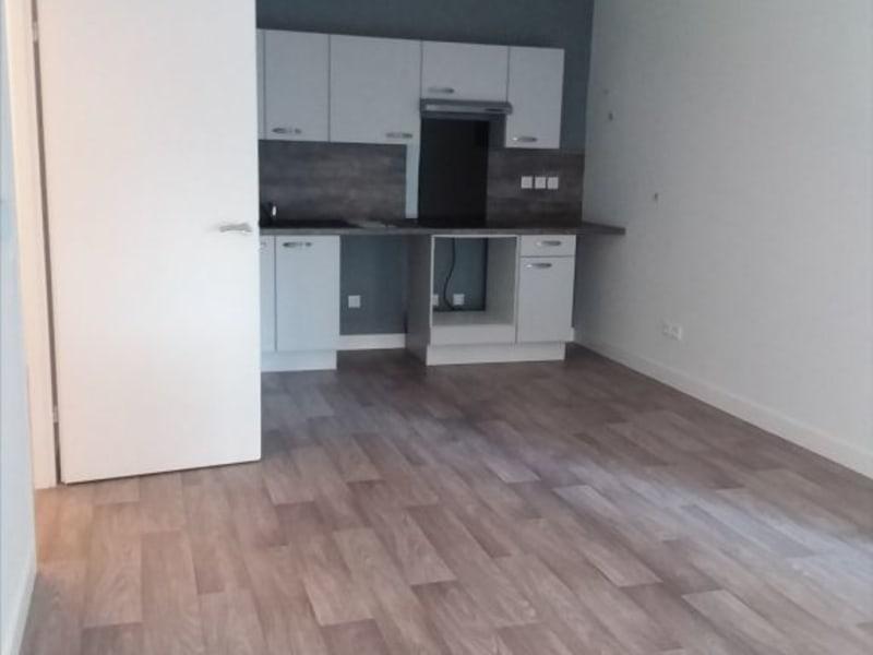 Location appartement Mours 837€ CC - Photo 2