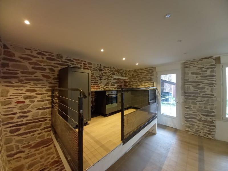 Rental apartment Rennes 840€ CC - Picture 1
