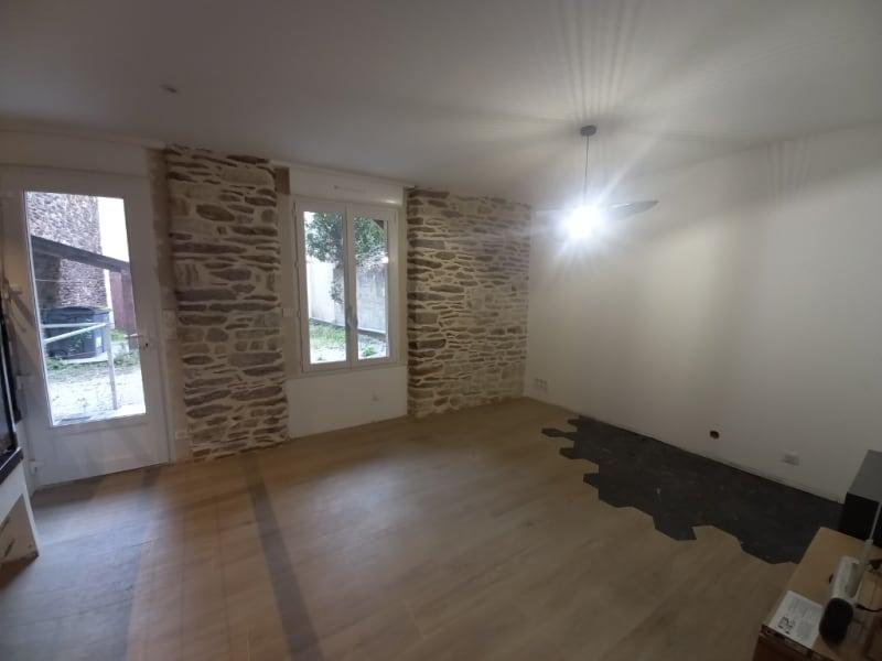 Rental apartment Rennes 840€ CC - Picture 2