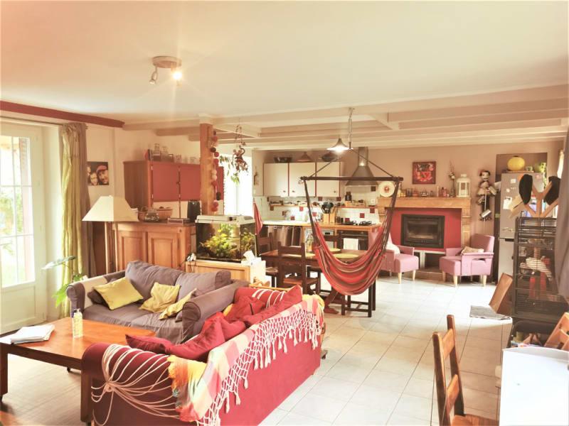 Sale house / villa La villedieu du clain 239900€ - Picture 3