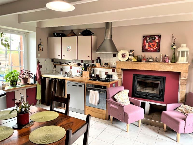 Sale house / villa La villedieu du clain 239900€ - Picture 4