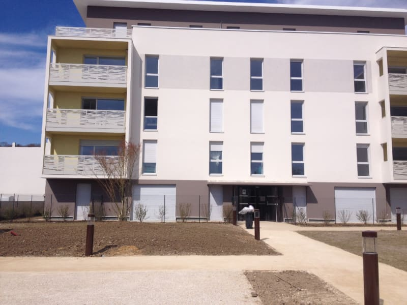 Location appartement Montlhery 781,55€ CC - Photo 1