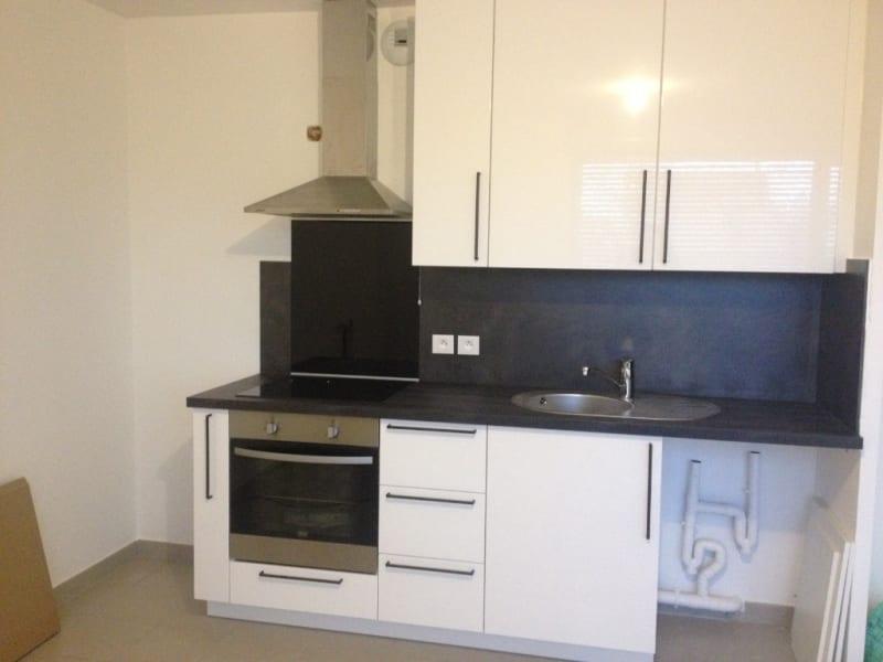 Location appartement Montlhery 781,55€ CC - Photo 3
