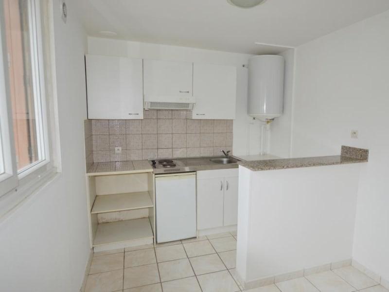 Rental apartment Montigny les cormeilles 580€ CC - Picture 2