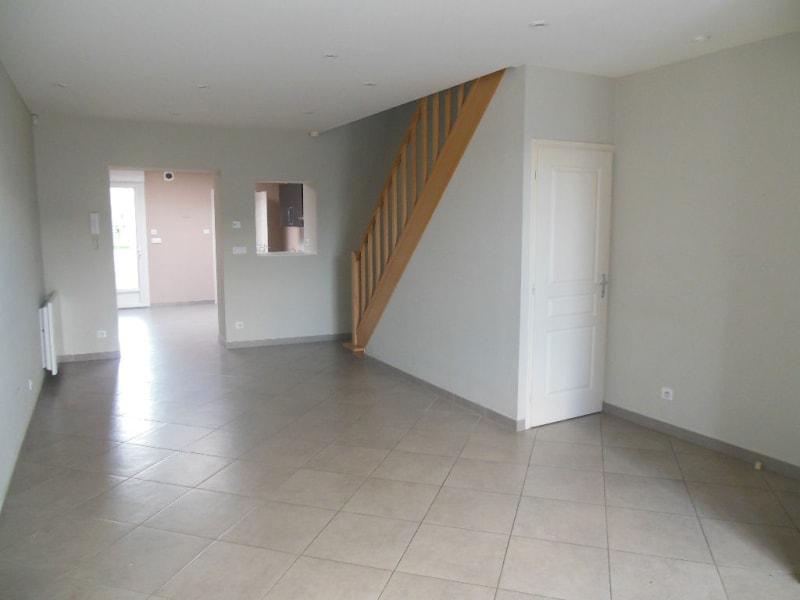 Rental house / villa Laventie 726,48€ CC - Picture 2