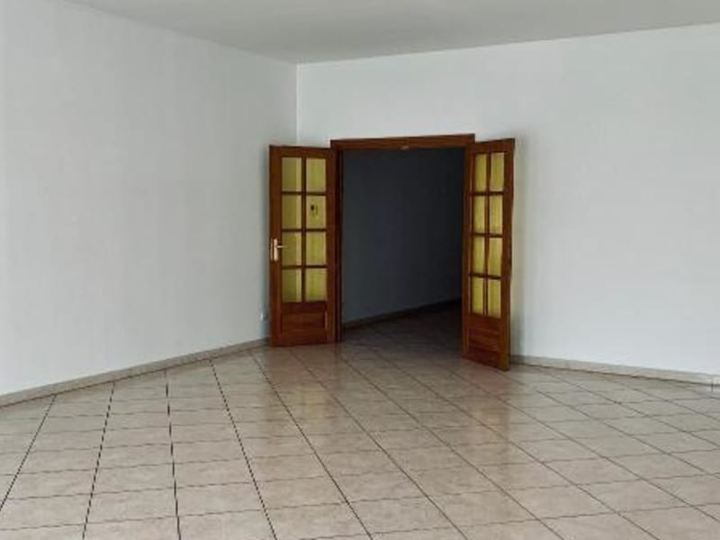 Rental apartment St omer 1350€ CC - Picture 4