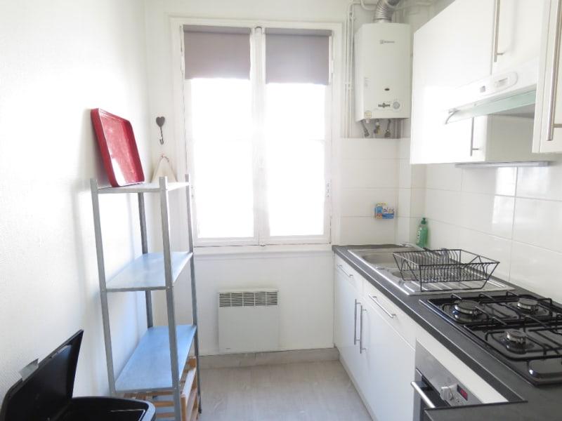 Alquiler  apartamento Paris 15ème 1100€ CC - Fotografía 4