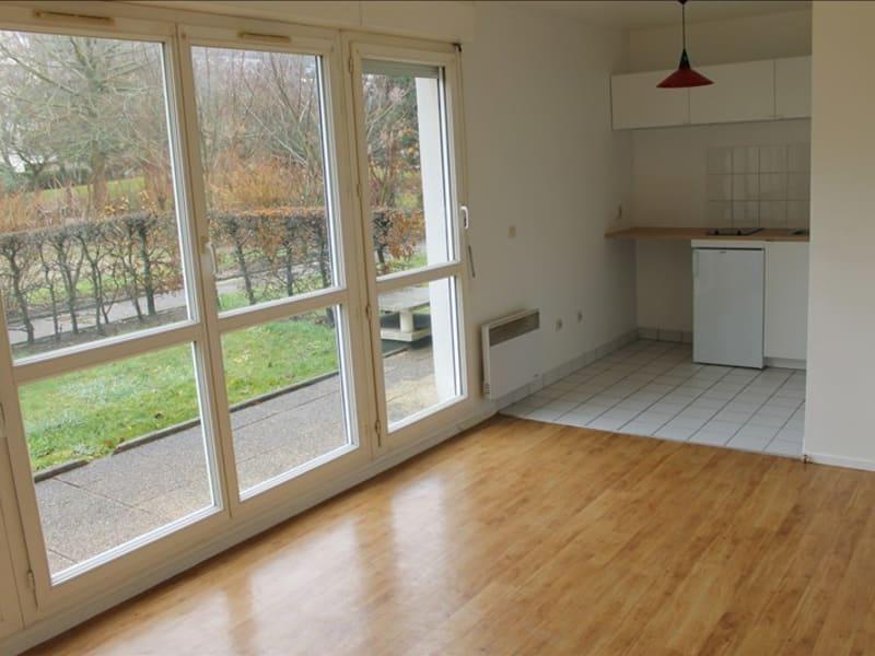 Rental apartment Cergy le haut 616€ CC - Picture 2