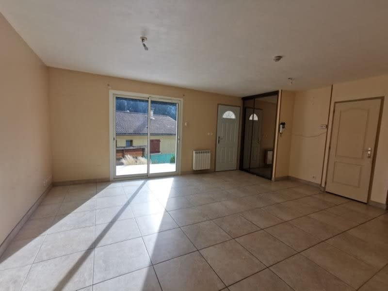 Sale house / villa Oyonnax 215000€ - Picture 3