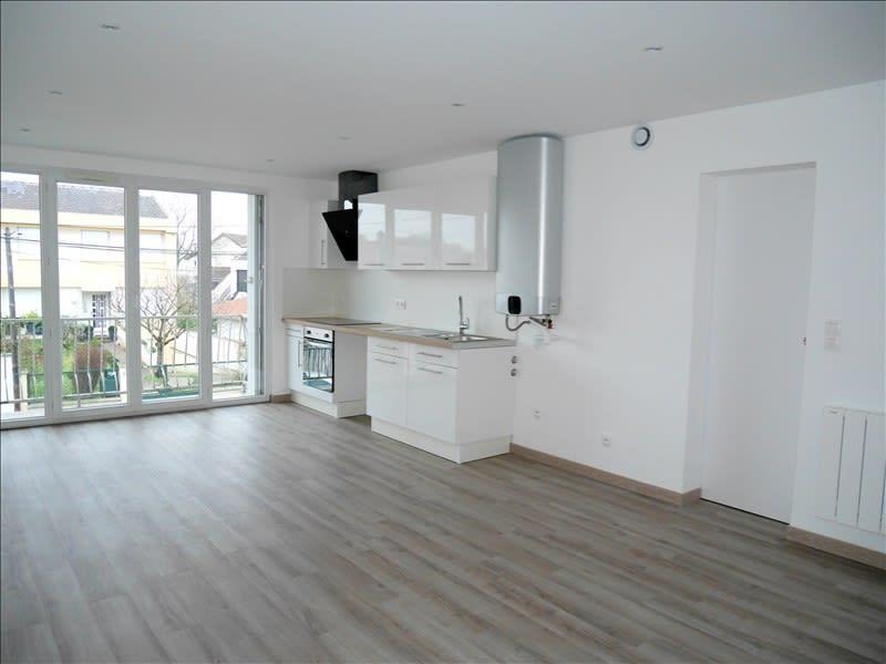 Rental apartment Livry gargan 820€ CC - Picture 2