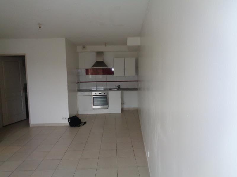 Sale apartment Pourcieux 140400€ - Picture 1