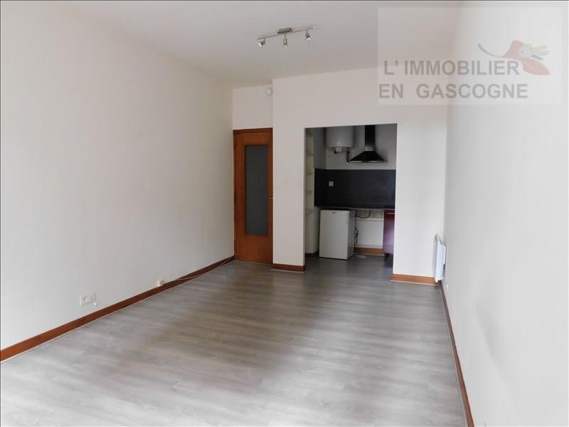 Rental apartment Auch 328€ CC - Picture 1