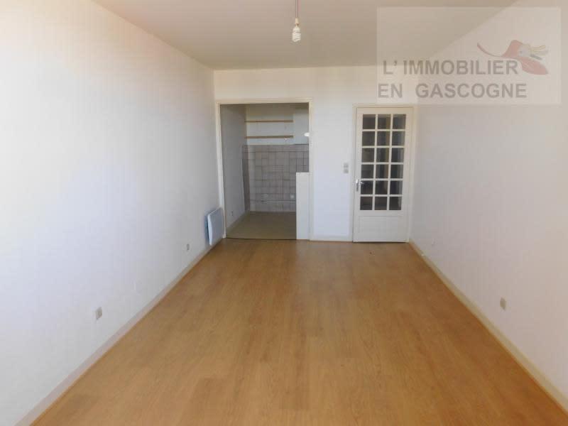 Rental apartment Auch 390€ CC - Picture 1