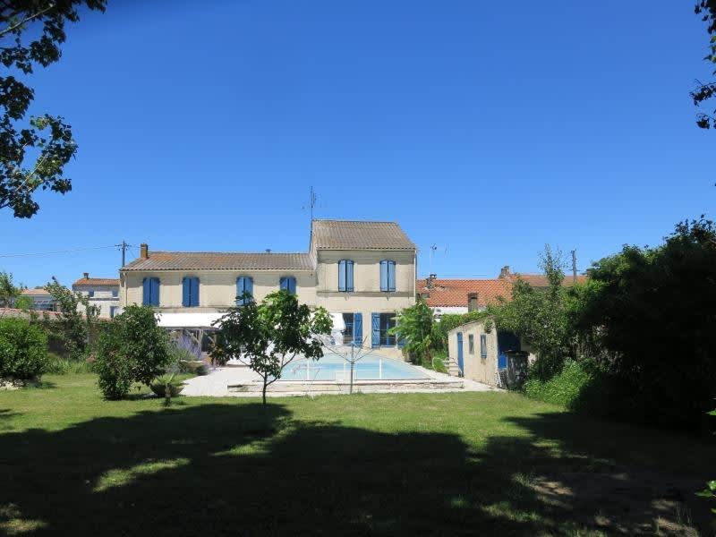 Sale house / villa Rochefort 493500€ - Picture 1