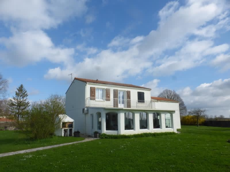 Deluxe sale house / villa Cabariot 364000€ - Picture 1