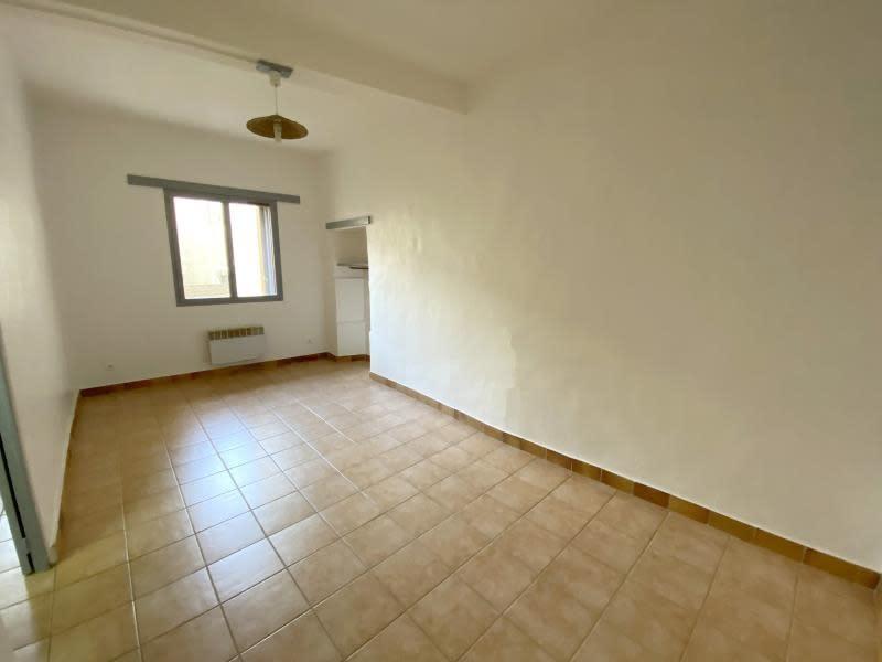 Rental apartment Orgon 610€ CC - Picture 2