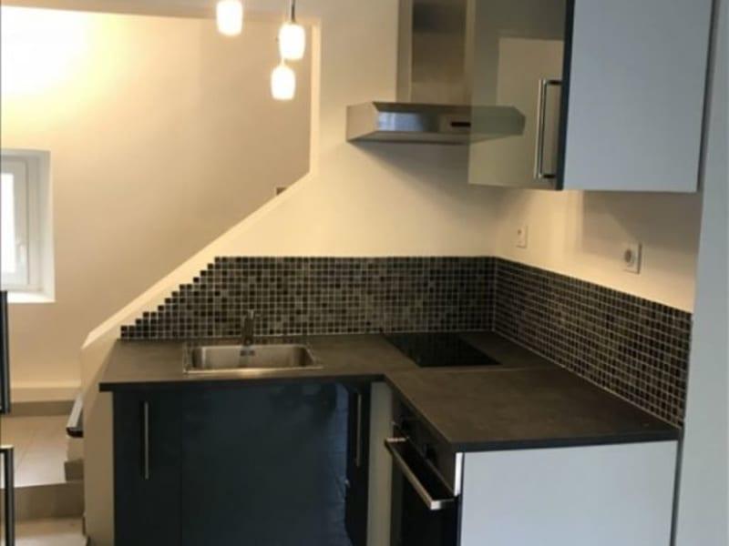 Rental apartment Salon de provence 795€ CC - Picture 1