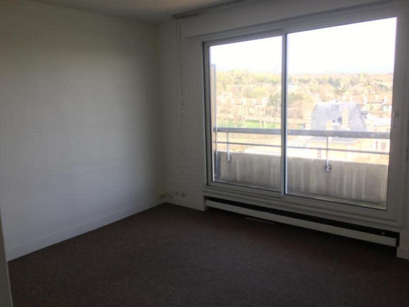 Rental apartment Le pecq 695€ CC - Picture 1