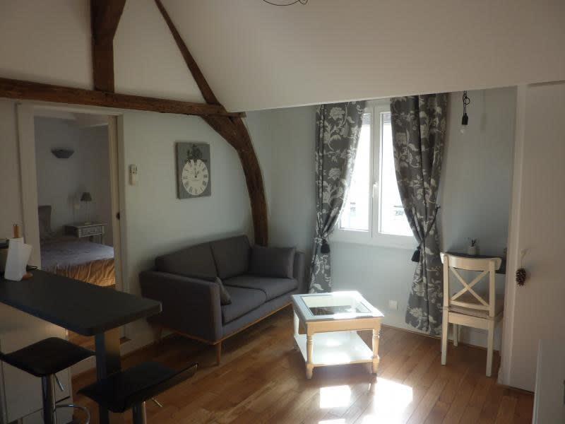 Rental apartment St germain en laye 980€ CC - Picture 1