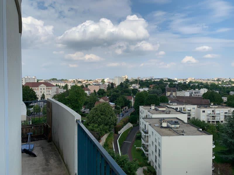 Rental apartment St germain en laye 1210€ CC - Picture 1