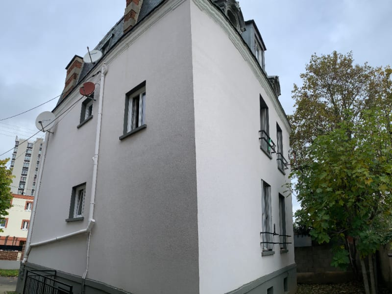 Sale building Athis mons 625000€ - Picture 2