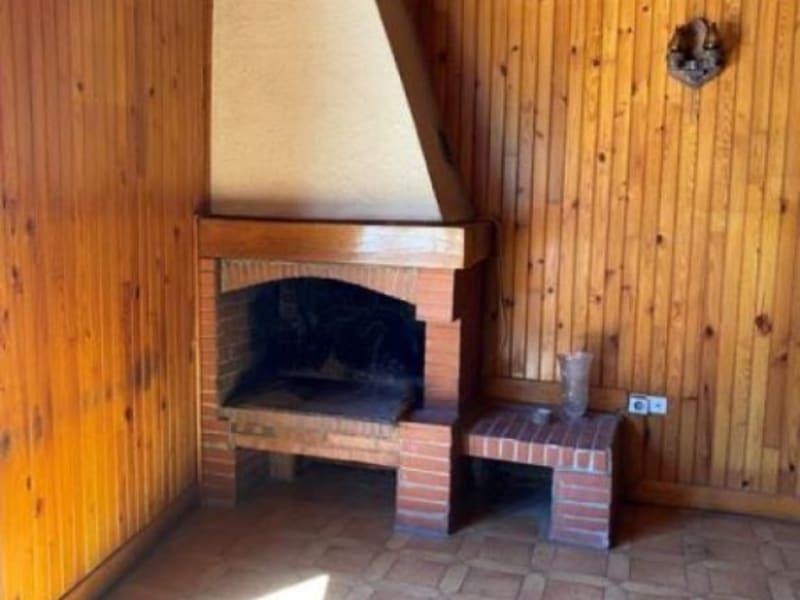 Sale house / villa L isle jourdain 220000€ - Picture 2