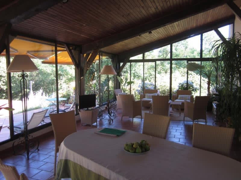 Sale house / villa L isle jourdain 549000€ - Picture 4