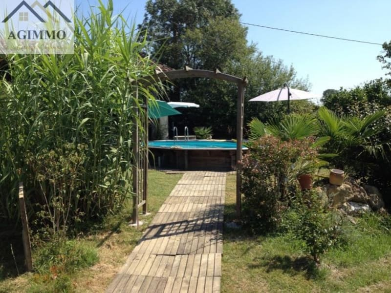 Sale house / villa L isle jourdain 292000€ - Picture 8