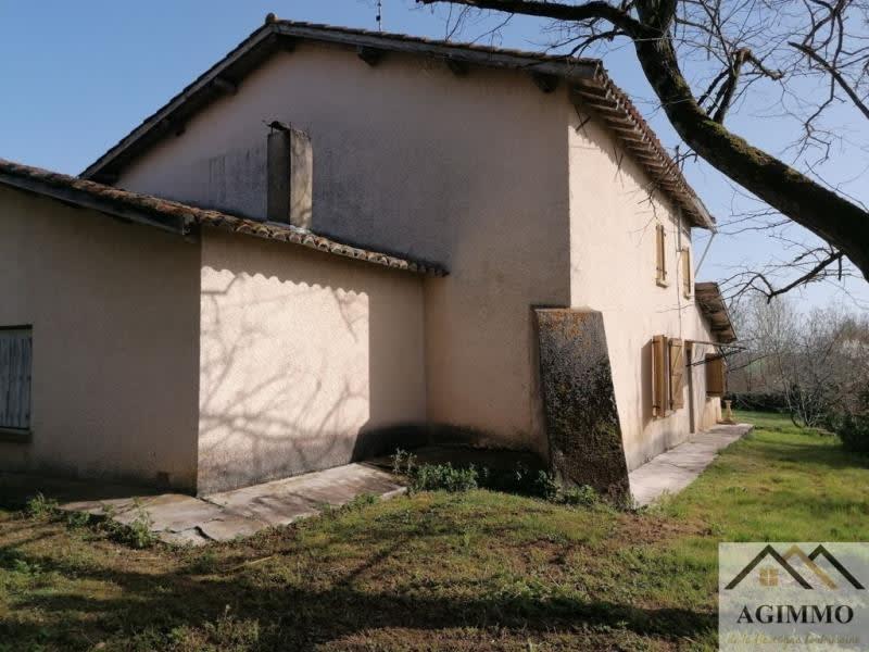 Sale house / villa L isle jourdain 165000€ - Picture 1