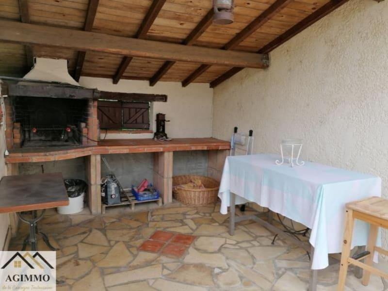 Sale house / villa L isle jourdain 332800€ - Picture 2