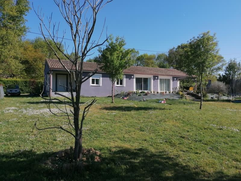 Sale house / villa L isle jourdain 335000€ - Picture 1