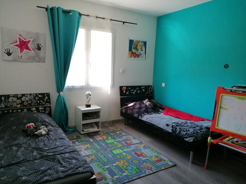 Sale house / villa L isle jourdain 335000€ - Picture 4