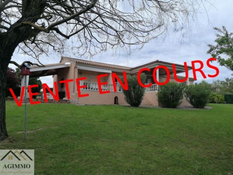 Sale house / villa L isle jourdain 318000€ - Picture 1