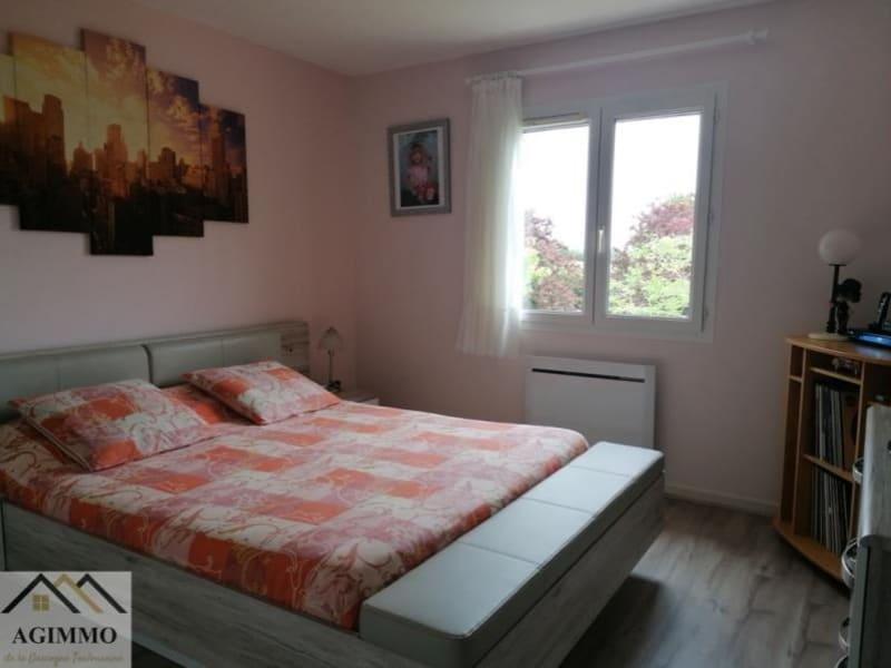 Sale house / villa L isle jourdain 318000€ - Picture 4