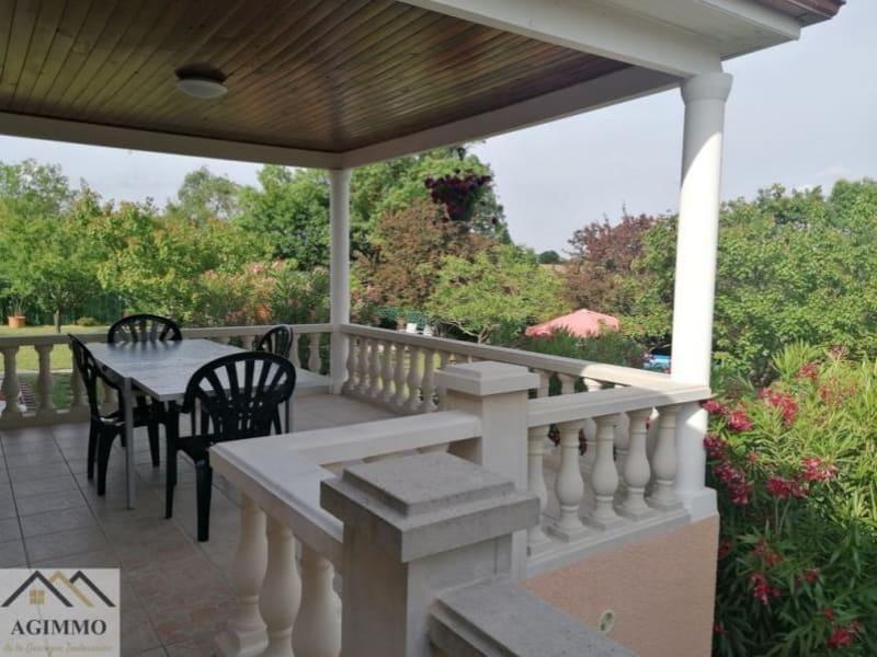 Sale house / villa L isle jourdain 318000€ - Picture 7
