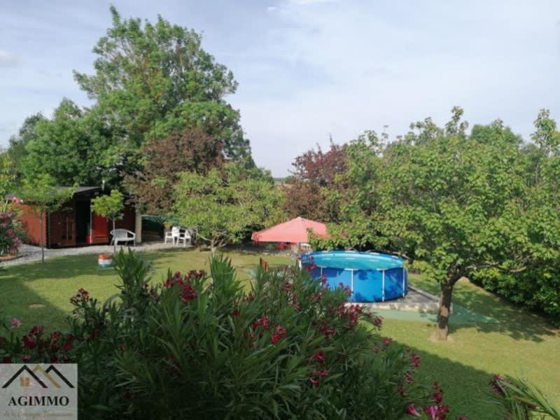 Sale house / villa L isle jourdain 318000€ - Picture 8