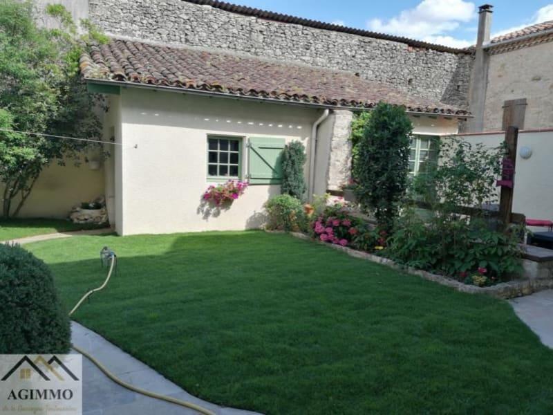 Sale house / villa L isle jourdain 376000€ - Picture 1