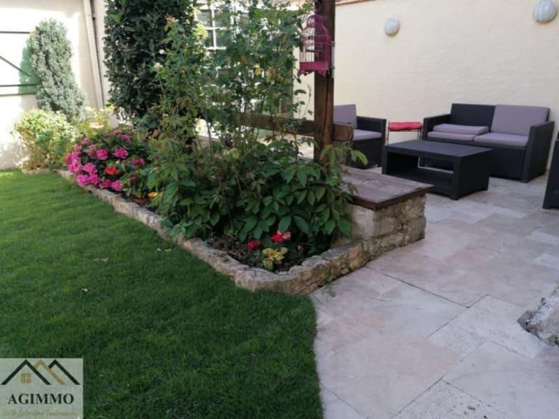 Sale house / villa L isle jourdain 376000€ - Picture 7