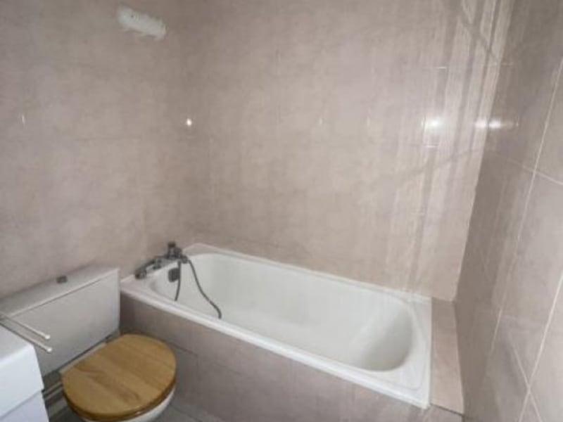 Rental apartment Verrieres le buisson 656€ CC - Picture 4