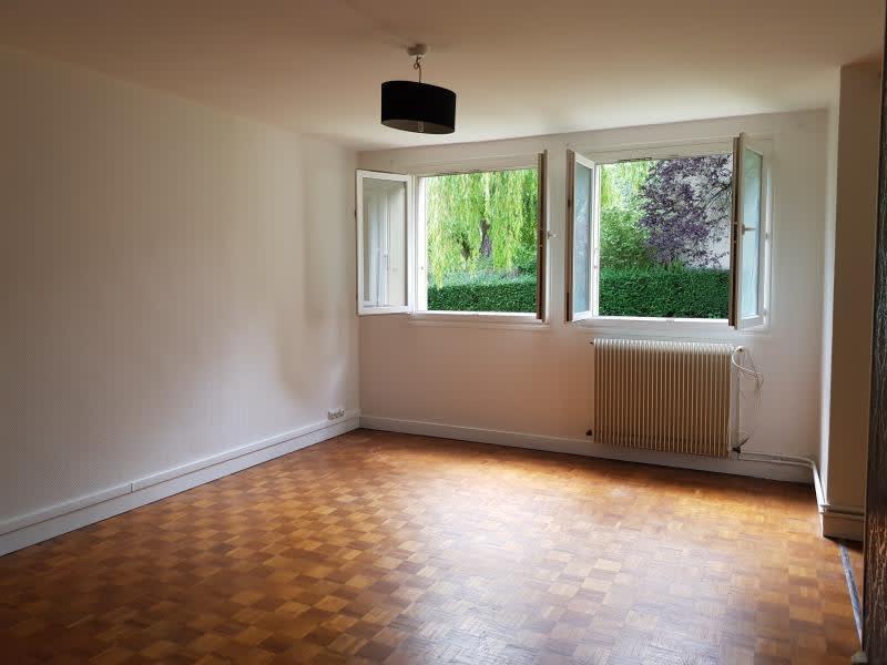 Rental apartment Verrieres le buisson 990€ CC - Picture 2